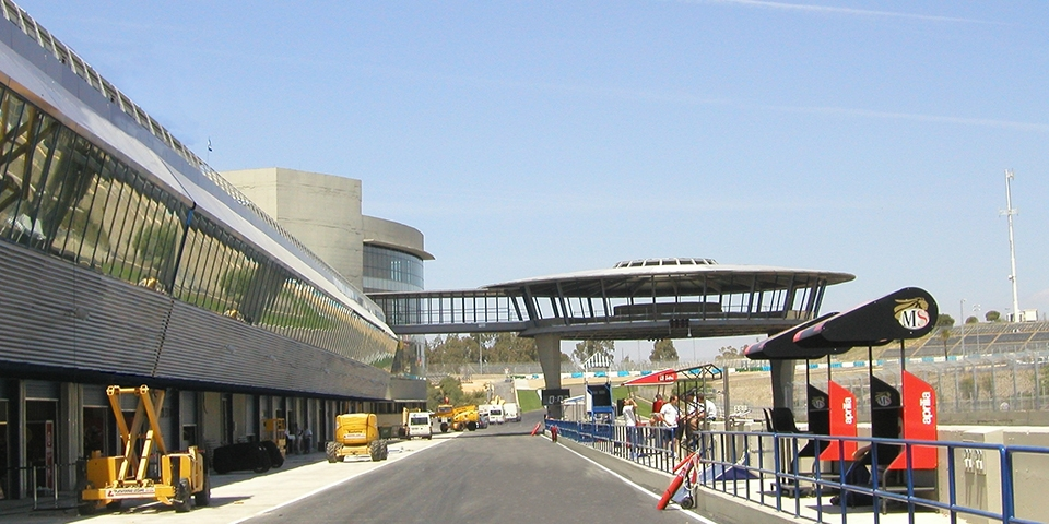 Jerez high speed racetrack and adaptation to new international regulations